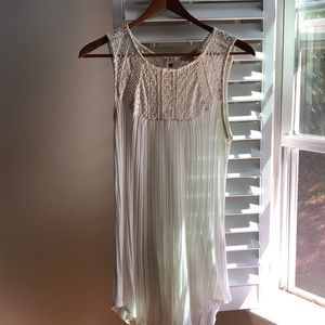 Long tank top with lace